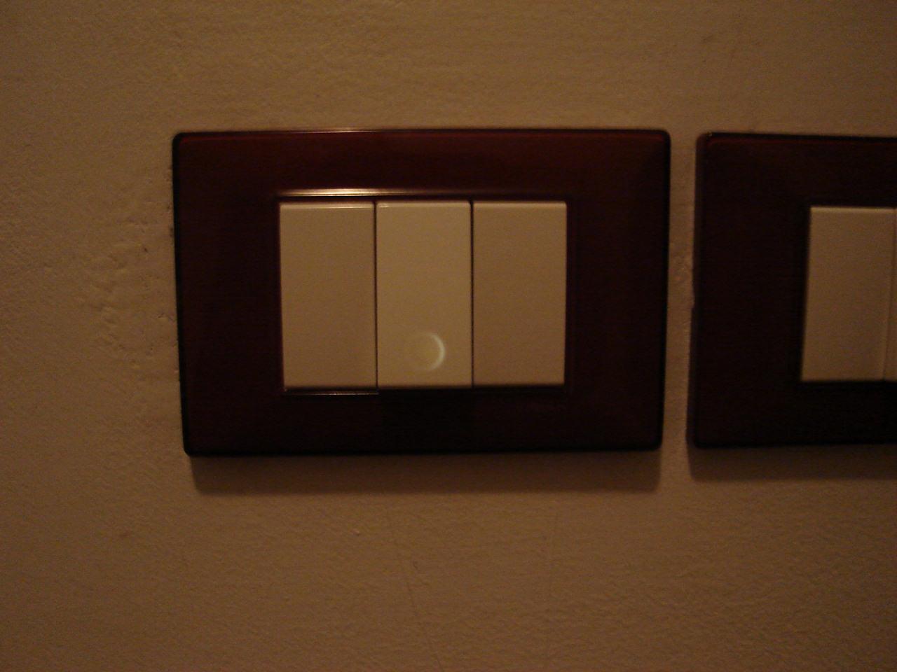 Montare LED negli interruttori? Ecco la Guida su come installarli