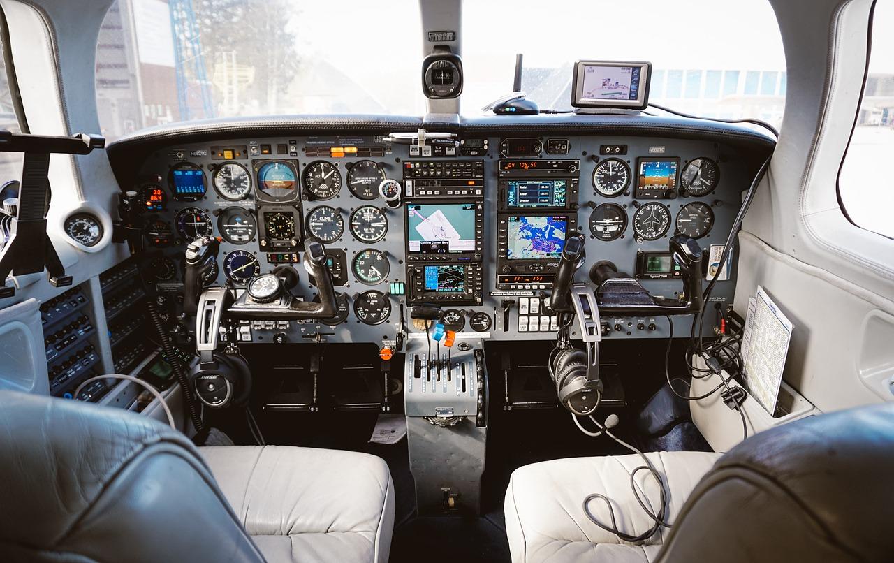 Trasporto aereo: sarà davvero possibile volare a emissioni zero?
