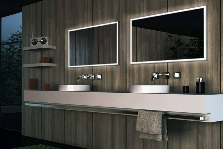 Come illuminare lo specchio del bagno: idee e consigli