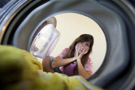Simboli di lavaggio nelle etichette dei vestiti