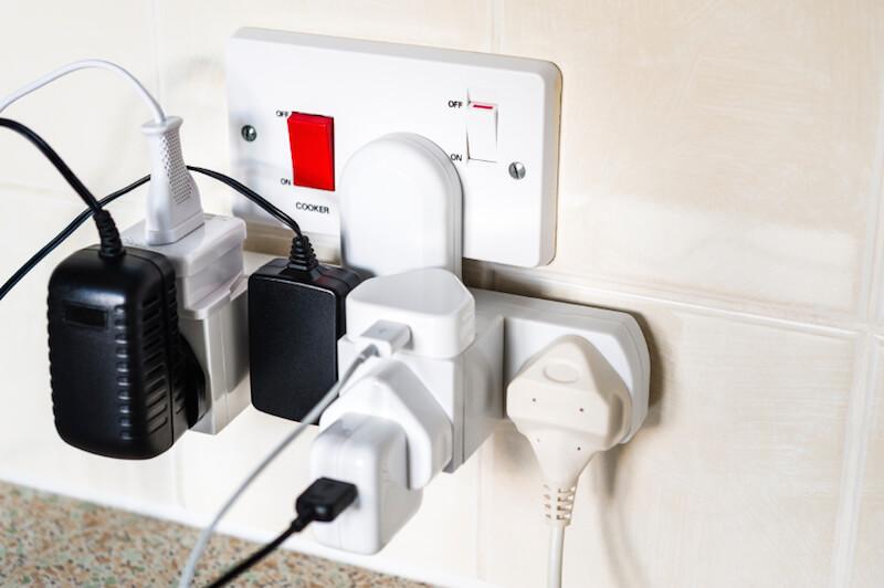 Sovraccarichi di corrente elettrica, conoscerli per evitarli