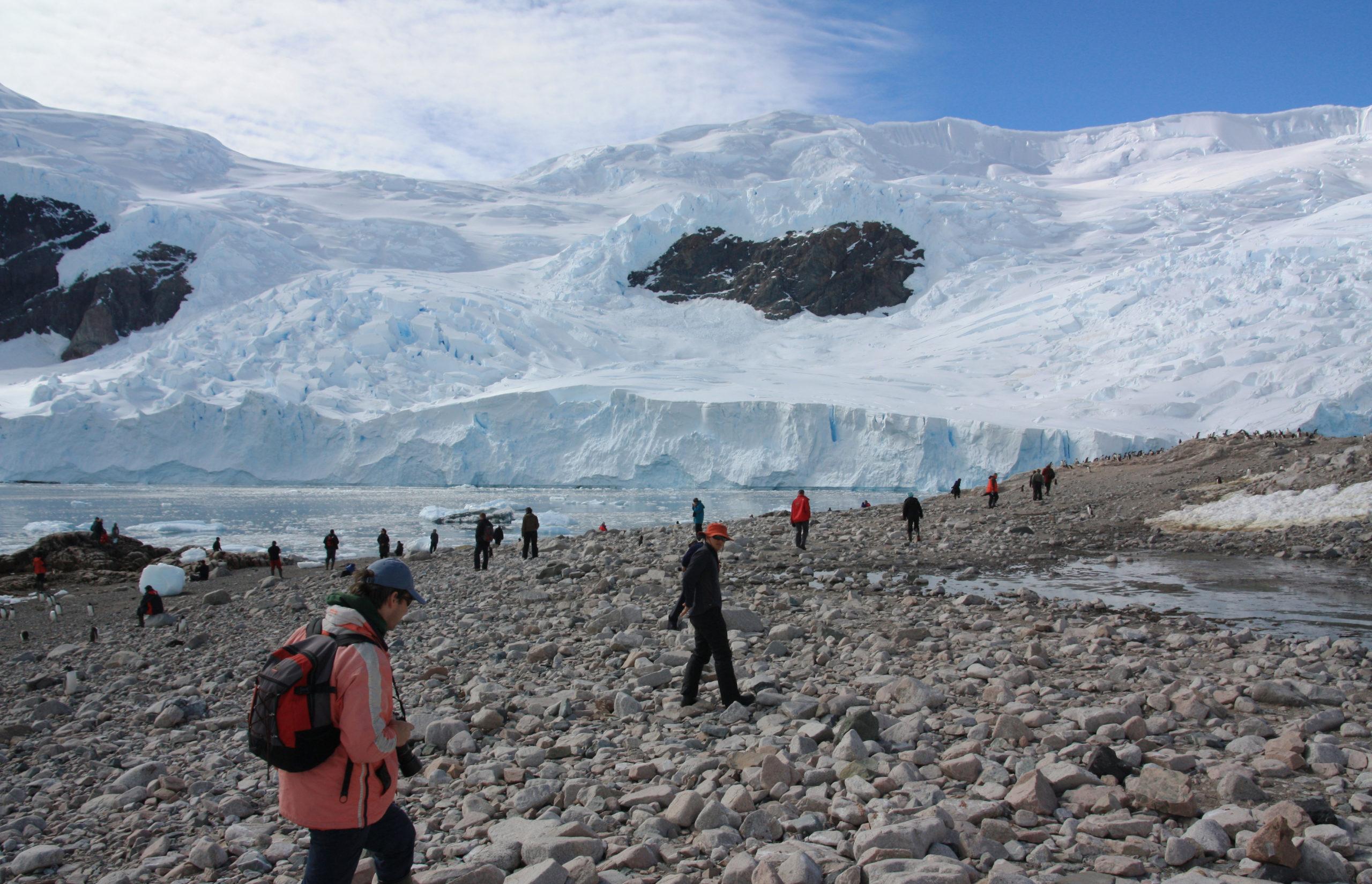 La crisi ambientale sta facendo aumentare il turismo in Antartide